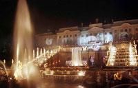 Большой каскад фонтанов с фонтаном Самсон