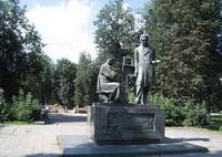 Памятник Венецианову недалеко от Сафонково